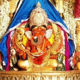 Pooja At Siddhi Vinayak Temple, Mumbai