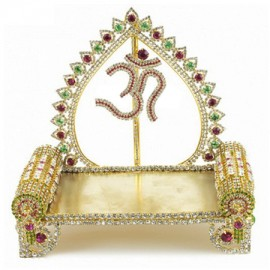 Om Deity Throne